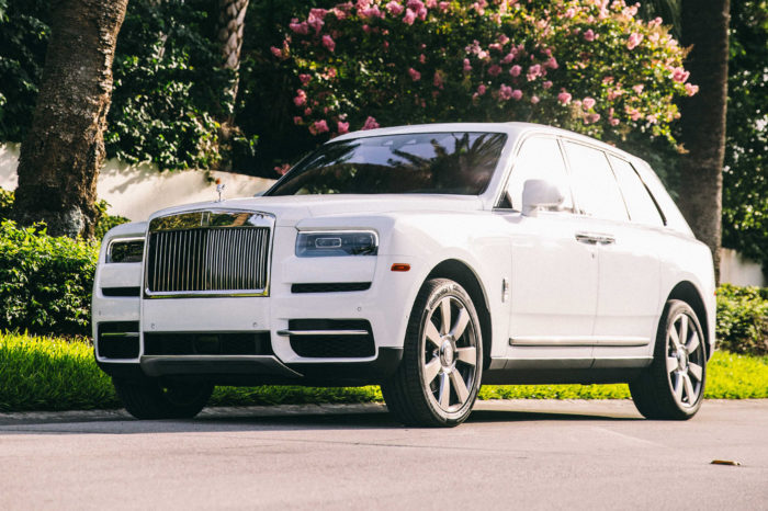 Rolls-Royce Cullinan – White