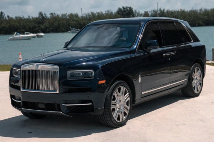 Rolls-Royce Cullinan – Blue