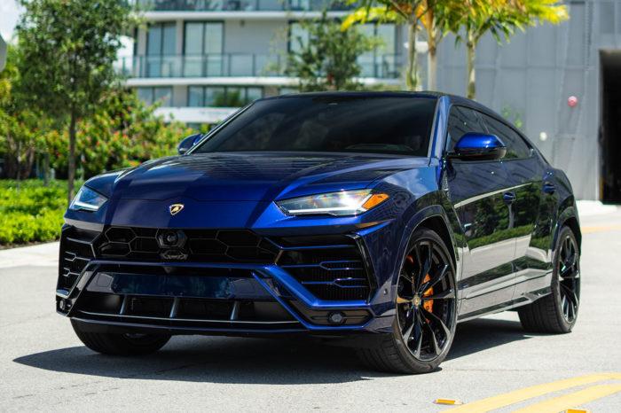 Lamborghini Urus – Blue