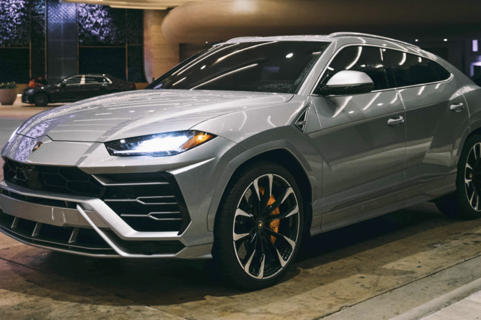Lamborghini Urus – Silver